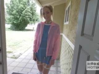 Tall Blonde Babe Hooks Up With Guy She Met Online