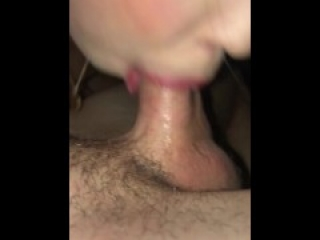 Tinder Teen Sucks Dick - Homemade Ameteur