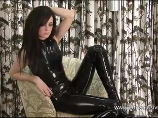 Kinky latex babe Chloes tight rubber outfit