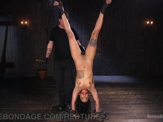 Hot Punk Ebony Masochist Metal Bondage